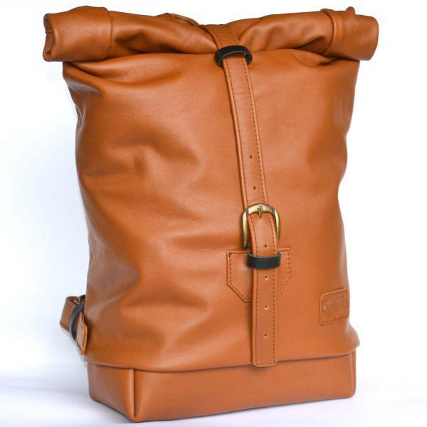 barna rolltop bőr hátizsák