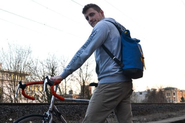 urbanstyle biker rolltop hátizsák