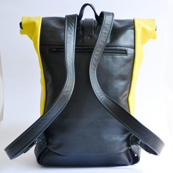 kézzelkészített egyedi bőr rolltop hátizsák