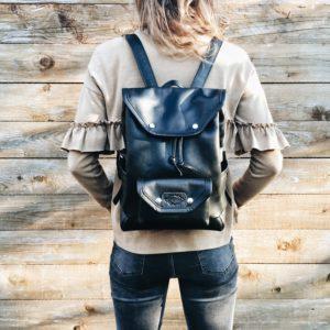 egyedi fekete bőr hátizsák